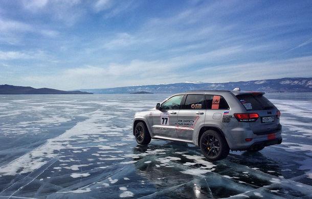 Jeep Grand Cherokee Trackhawk este cel mai rapid SUV pe o suprafață acoperită cu gheață: modelul americanilor a rulat cu o viteză medie de 257 km/h - Poza 3