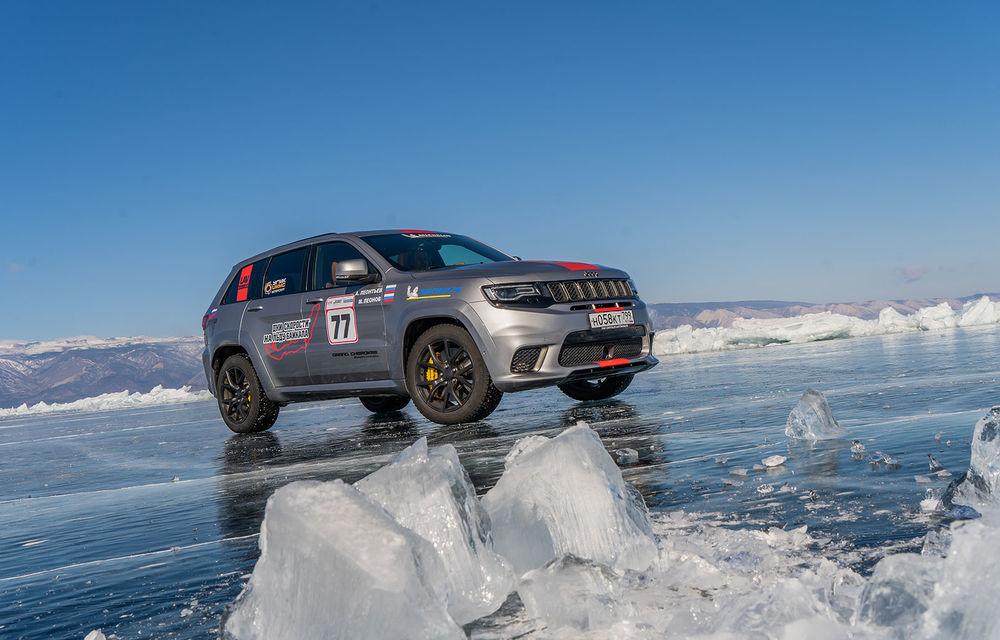 Jeep Grand Cherokee Trackhawk este cel mai rapid SUV pe o suprafață acoperită cu gheață: modelul americanilor a rulat cu o viteză medie de 257 km/h - Poza 2