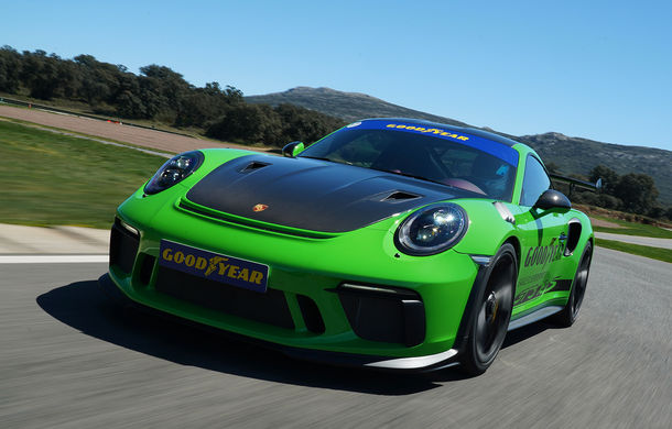 Fiesta de pe Ascari: am condus Alpine A110, Porsche 911 GT3 RS și Ferrari 488 GTB la testul noilor anvelope Goodyear F1 Asymmetric 5 și SuperSport - Poza 3
