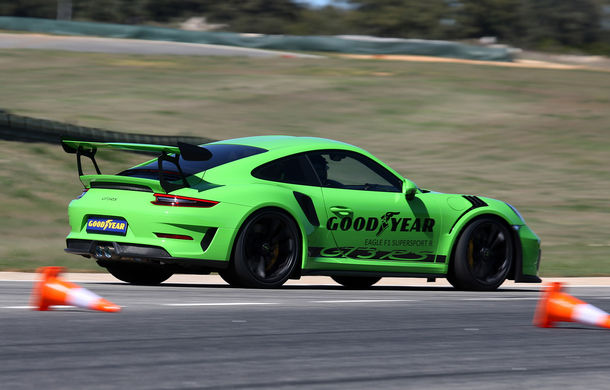 Fiesta de pe Ascari: am condus Alpine A110, Porsche 911 GT3 RS și Ferrari 488 GTB la testul noilor anvelope Goodyear F1 Asymmetric 5 și SuperSport - Poza 8