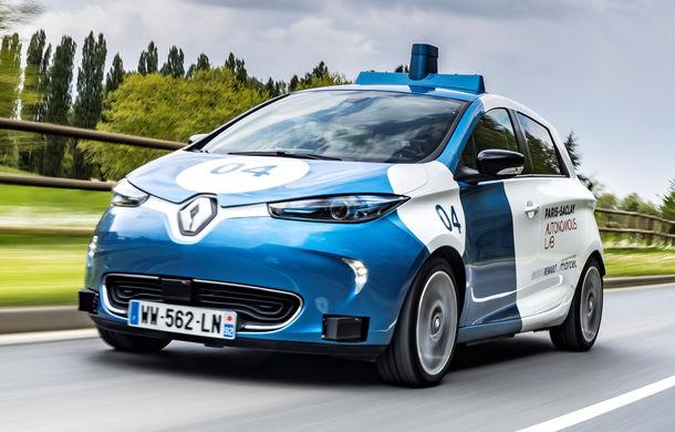 Renault lansează un experiment pentru un sistem de transport cu vehicule autonome: trei unități Zoe și un autobuz lângă Paris - Poza 2