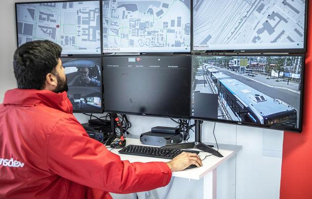 Renault lansează un experiment pentru un sistem de transport cu vehicule autonome: trei unități Zoe și un autobuz lângă Paris - Poza 11