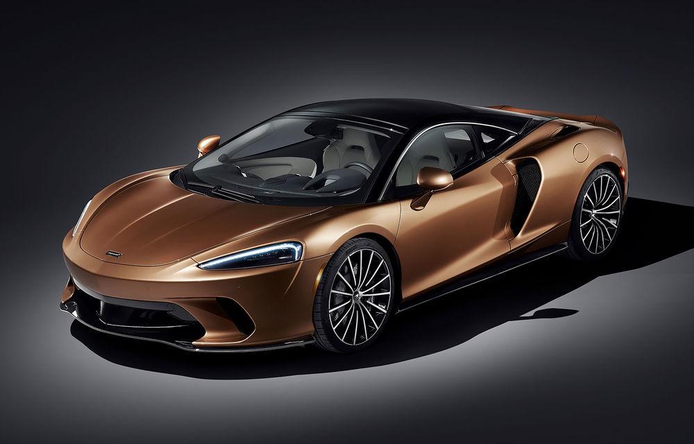 McLaren GT, poze și detalii oficiale: Grand Tourer-ul din gama britanicilor oferă 620 CP și un volum total pentru bagaje de 570 litri - Poza 1