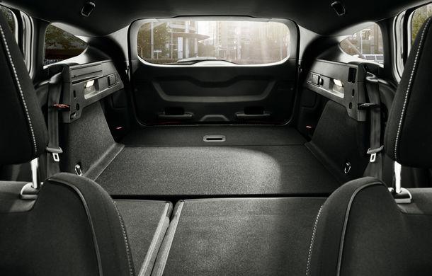 Primele fotografii și detalii tehnice despre Ford Focus ST Wagon: versiunea break împrumută motoarele de la Focus ST - Poza 10