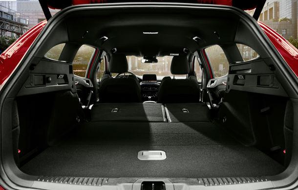Primele fotografii și detalii tehnice despre Ford Focus ST Wagon: versiunea break împrumută motoarele de la Focus ST - Poza 9