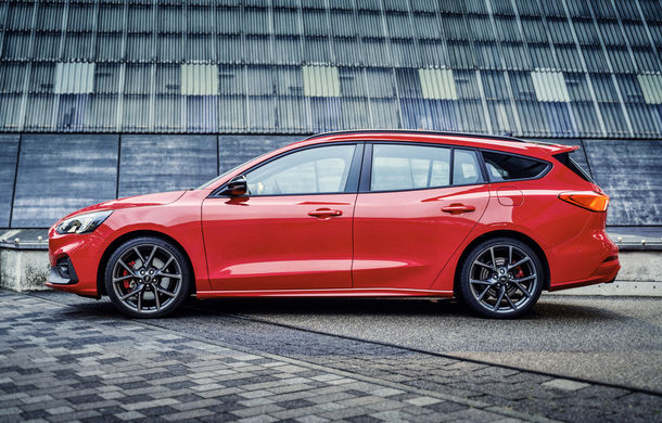 Primele fotografii și detalii tehnice despre Ford Focus ST Wagon: versiunea break împrumută motoarele de la Focus ST - Poza 5