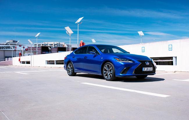 Test drive Lexus ES
