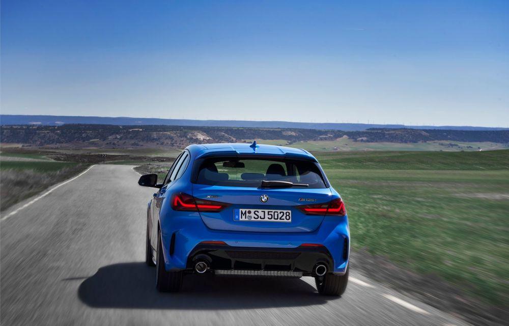 Noua generație BMW Seria 1, imagini și detalii oficiale: platformă nouă cu roți motrice față, mai mult spațiu pentru pasageri și tehnologii moderne - Poza 18
