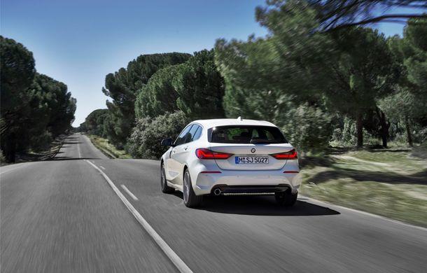 Noua generație BMW Seria 1, imagini și detalii oficiale: platformă nouă cu roți motrice față, mai mult spațiu pentru pasageri și tehnologii moderne - Poza 41