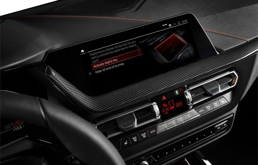 Noua generație BMW Seria 1, imagini și detalii oficiale: platformă nouă cu roți motrice față, mai mult spațiu pentru pasageri și tehnologii moderne - Poza 96