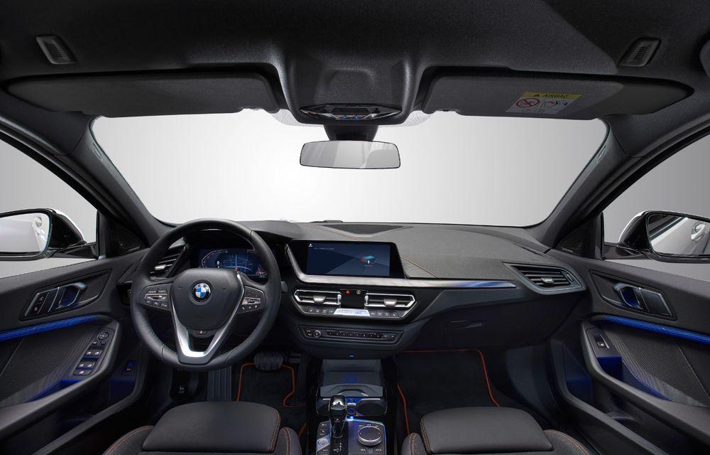 Noua generație BMW Seria 1, imagini și detalii oficiale: platformă nouă cu roți motrice față, mai mult spațiu pentru pasageri și tehnologii moderne - Poza 101