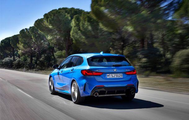 Noua generație BMW Seria 1, imagini și detalii oficiale: platformă nouă cu roți motrice față, mai mult spațiu pentru pasageri și tehnologii moderne - Poza 17