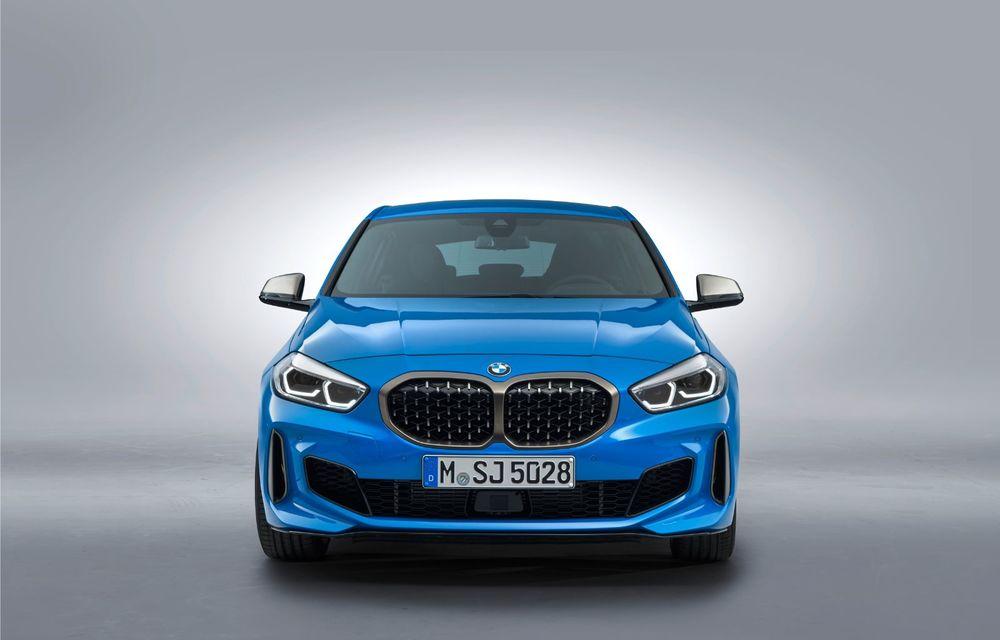 Noua generație BMW Seria 1, imagini și detalii oficiale: platformă nouă cu roți motrice față, mai mult spațiu pentru pasageri și tehnologii moderne - Poza 21