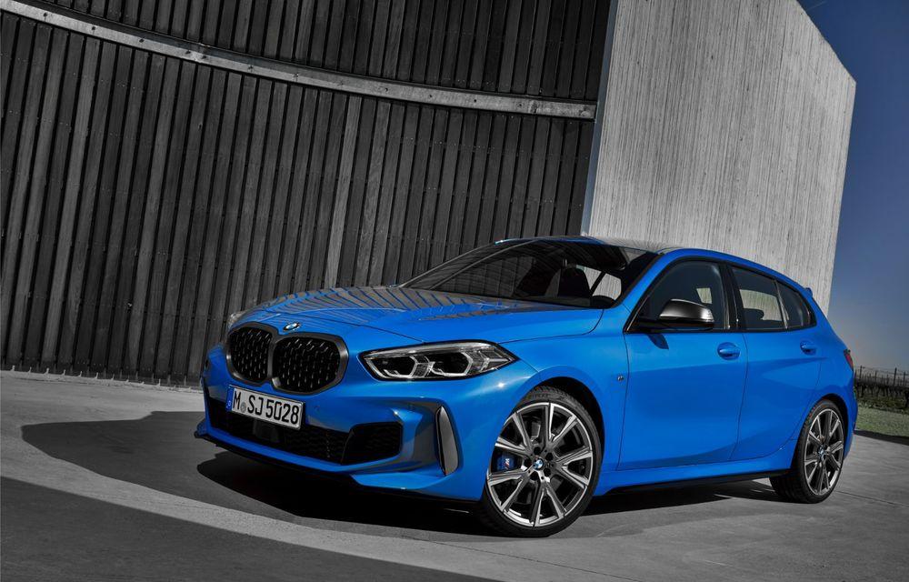 Noua generație BMW Seria 1, imagini și detalii oficiale: platformă nouă cu roți motrice față, mai mult spațiu pentru pasageri și tehnologii moderne - Poza 2
