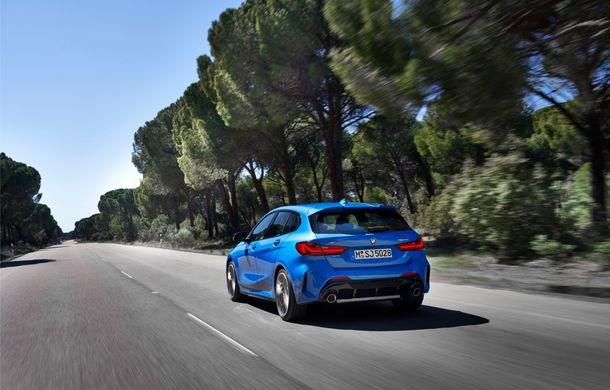 Noua generație BMW Seria 1, imagini și detalii oficiale: platformă nouă cu roți motrice față, mai mult spațiu pentru pasageri și tehnologii moderne - Poza 16