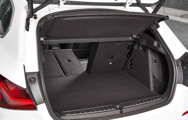 Noua generație BMW Seria 1, imagini și detalii oficiale: platformă nouă cu roți motrice față, mai mult spațiu pentru pasageri și tehnologii moderne - Poza 87