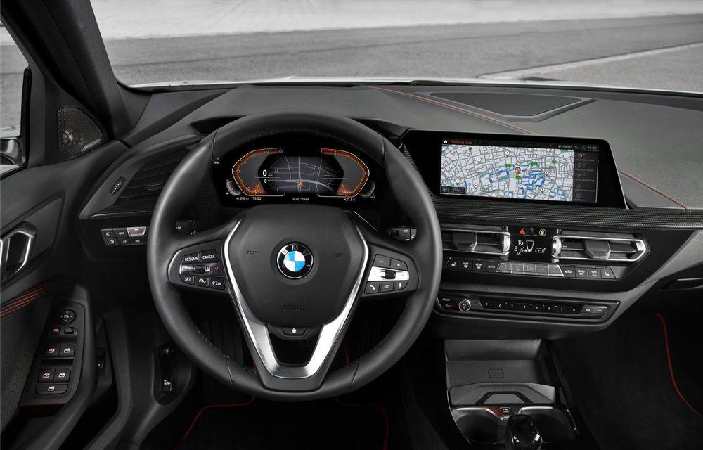Noua generație BMW Seria 1, imagini și detalii oficiale: platformă nouă cu roți motrice față, mai mult spațiu pentru pasageri și tehnologii moderne - Poza 93