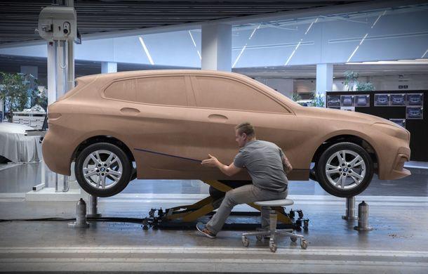Noua generație BMW Seria 1, imagini și detalii oficiale: platformă nouă cu roți motrice față, mai mult spațiu pentru pasageri și tehnologii moderne - Poza 114