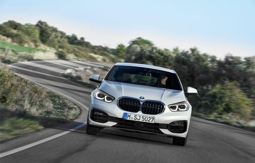 Noua generație BMW Seria 1, imagini și detalii oficiale: platformă nouă cu roți motrice față, mai mult spațiu pentru pasageri și tehnologii moderne - Poza 29