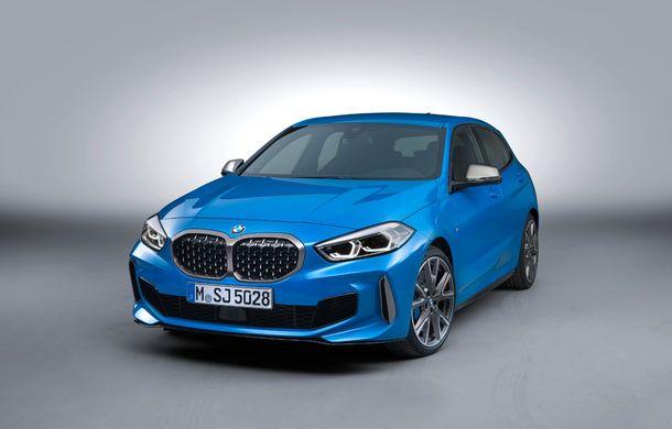 Noua generație BMW Seria 1, imagini și detalii oficiale: platformă nouă cu roți motrice față, mai mult spațiu pentru pasageri și tehnologii moderne - Poza 22