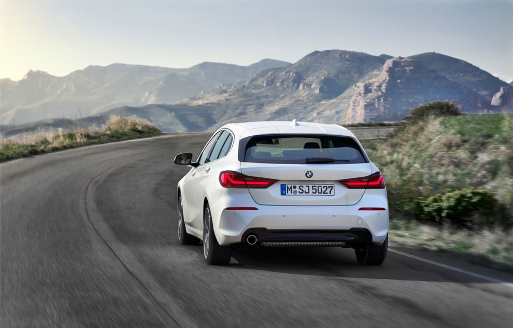 Noua generație BMW Seria 1, imagini și detalii oficiale: platformă nouă cu roți motrice față, mai mult spațiu pentru pasageri și tehnologii moderne - Poza 43