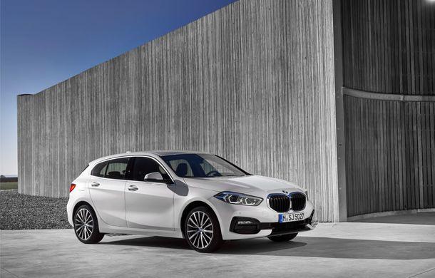 Noua generație BMW Seria 1, imagini și detalii oficiale: platformă nouă cu roți motrice față, mai mult spațiu pentru pasageri și tehnologii moderne - Poza 36