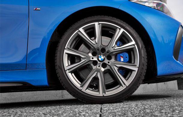 Noua generație BMW Seria 1, imagini și detalii oficiale: platformă nouă cu roți motrice față, mai mult spațiu pentru pasageri și tehnologii moderne - Poza 60