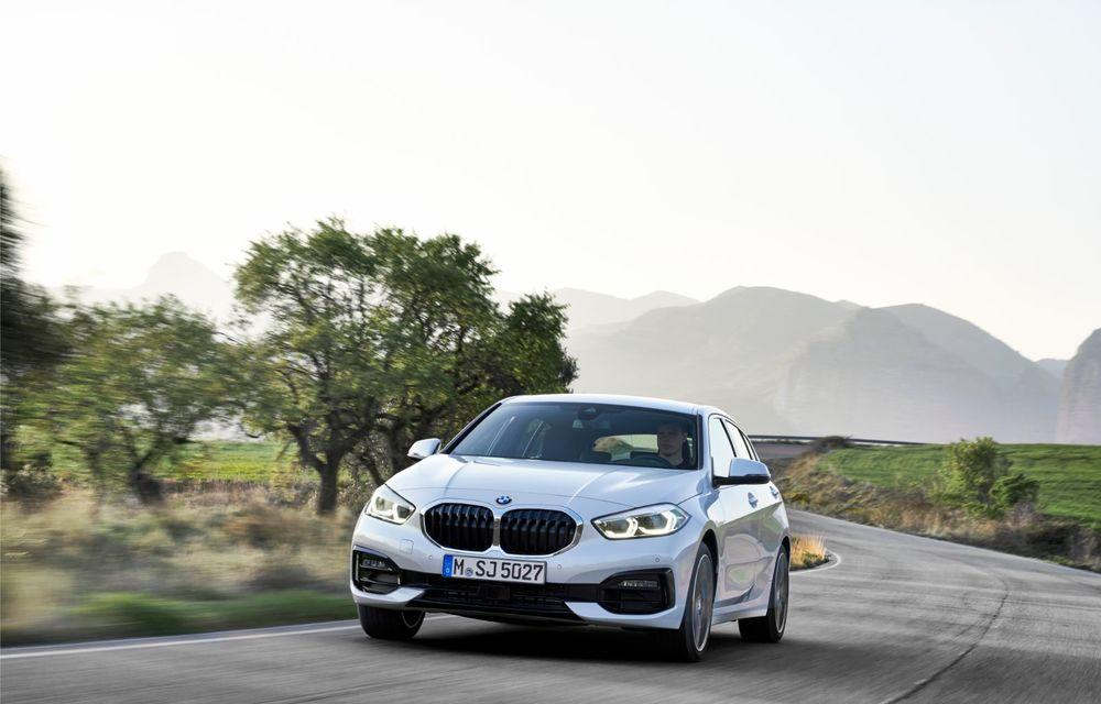 Noua generație BMW Seria 1, imagini și detalii oficiale: platformă nouă cu roți motrice față, mai mult spațiu pentru pasageri și tehnologii moderne - Poza 30
