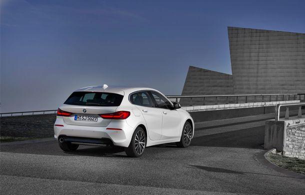 Noua generație BMW Seria 1, imagini și detalii oficiale: platformă nouă cu roți motrice față, mai mult spațiu pentru pasageri și tehnologii moderne - Poza 45