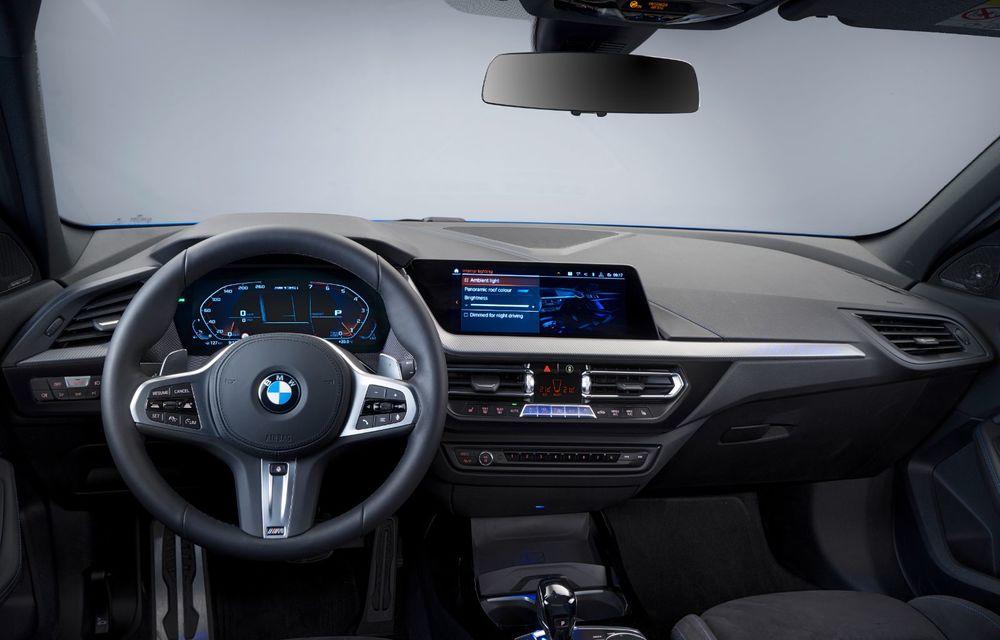 Noua generație BMW Seria 1, imagini și detalii oficiale: platformă nouă cu roți motrice față, mai mult spațiu pentru pasageri și tehnologii moderne - Poza 97