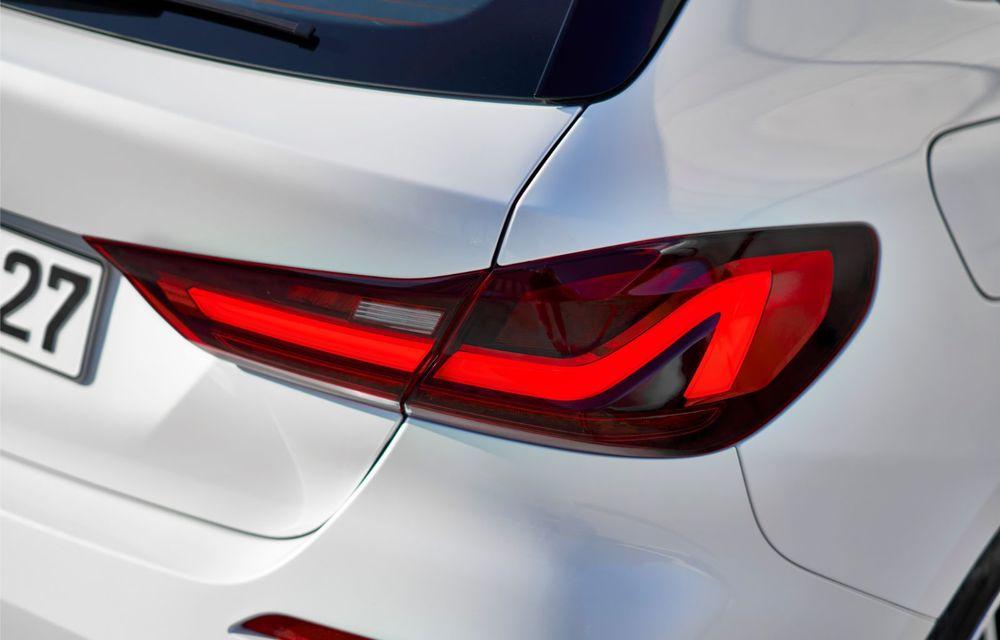 Noua generație BMW Seria 1, imagini și detalii oficiale: platformă nouă cu roți motrice față, mai mult spațiu pentru pasageri și tehnologii moderne - Poza 76