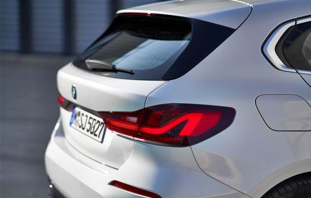 Noua generație BMW Seria 1, imagini și detalii oficiale: platformă nouă cu roți motrice față, mai mult spațiu pentru pasageri și tehnologii moderne - Poza 75