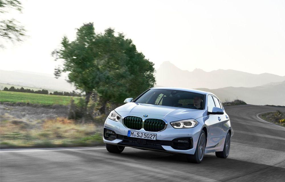 Noua generație BMW Seria 1, imagini și detalii oficiale: platformă nouă cu roți motrice față, mai mult spațiu pentru pasageri și tehnologii moderne - Poza 32
