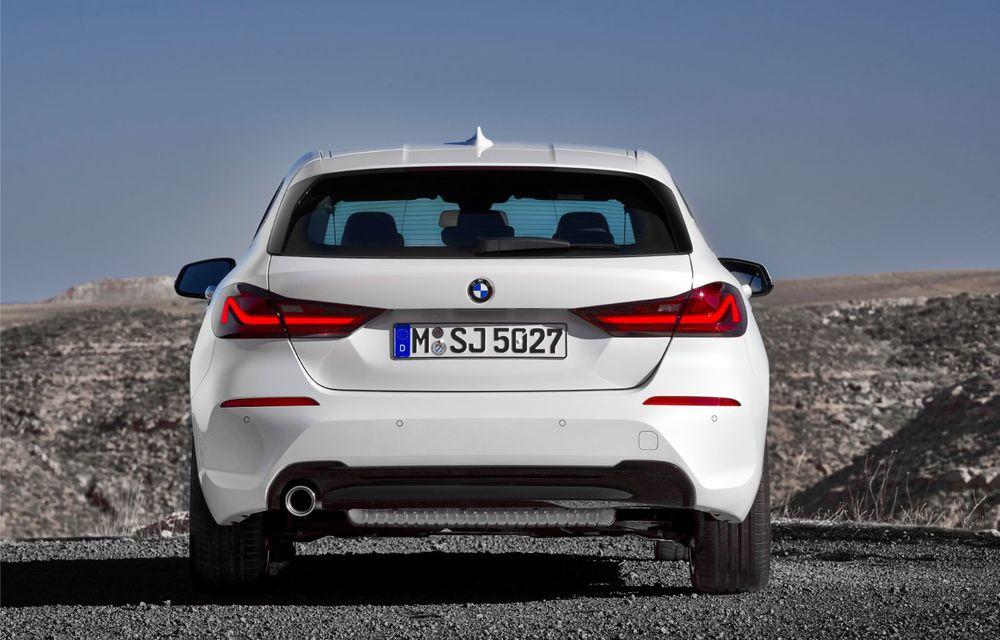 Noua generație BMW Seria 1, imagini și detalii oficiale: platformă nouă cu roți motrice față, mai mult spațiu pentru pasageri și tehnologii moderne - Poza 42