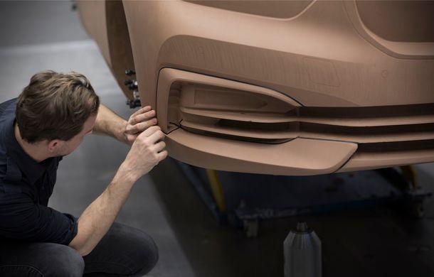 Noua generație BMW Seria 1, imagini și detalii oficiale: platformă nouă cu roți motrice față, mai mult spațiu pentru pasageri și tehnologii moderne - Poza 110