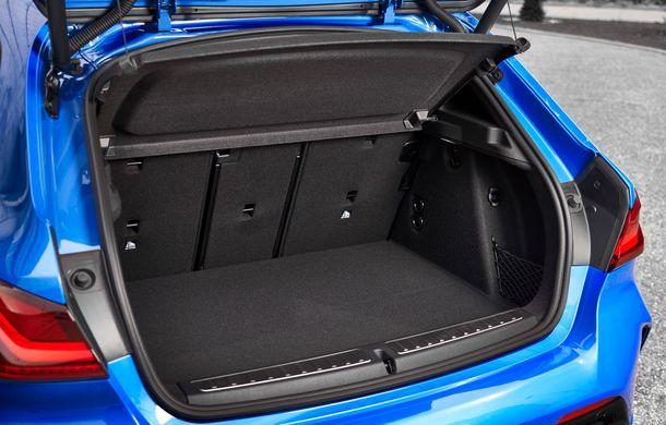 Noua generație BMW Seria 1, imagini și detalii oficiale: platformă nouă cu roți motrice față, mai mult spațiu pentru pasageri și tehnologii moderne - Poza 68