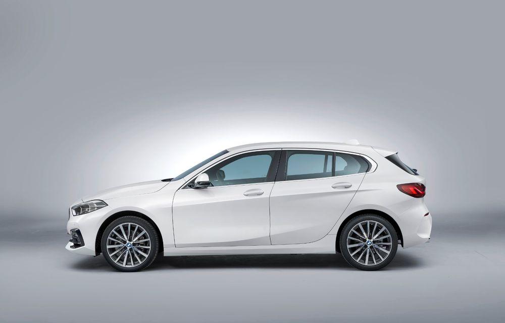 Noua generație BMW Seria 1, imagini și detalii oficiale: platformă nouă cu roți motrice față, mai mult spațiu pentru pasageri și tehnologii moderne - Poza 52
