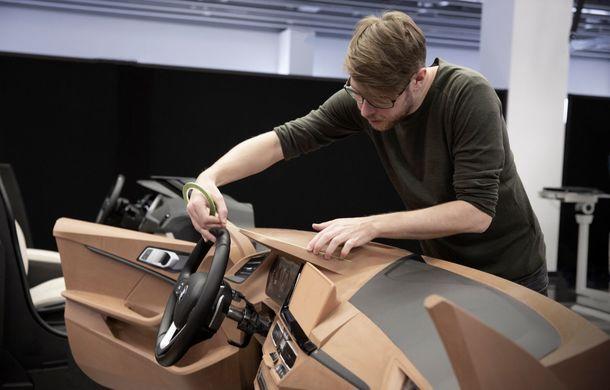 Noua generație BMW Seria 1, imagini și detalii oficiale: platformă nouă cu roți motrice față, mai mult spațiu pentru pasageri și tehnologii moderne - Poza 116
