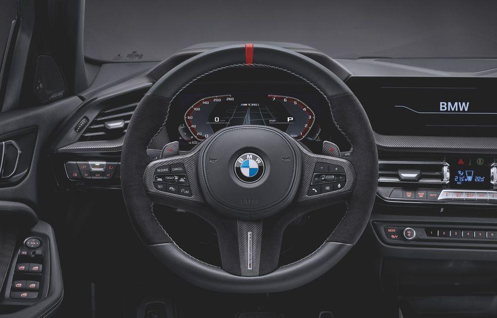 Accesorii M Performance pentru noua generație BMW Seria 1: elemente de caroserie și accesorii de interior derivate din cele utilizate în motorsport - Poza 15