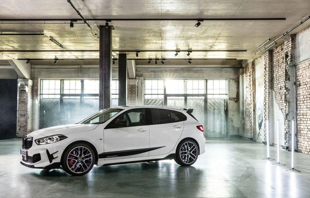 Accesorii M Performance pentru noua generație BMW Seria 1: elemente de caroserie și accesorii de interior derivate din cele utilizate în motorsport - Poza 4