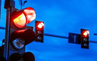 O nouă tehnologie pentru fluidizarea traficului: pietonii primesc verde când sistemul anticipează că vor să traverseze strada