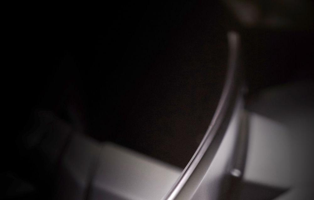 Teaser cu interiorul lui BMW iNext: SUV-ul electric va avea un ecran curbat care va integra sistemul de infotainment și ceasurile de bord - Poza 2