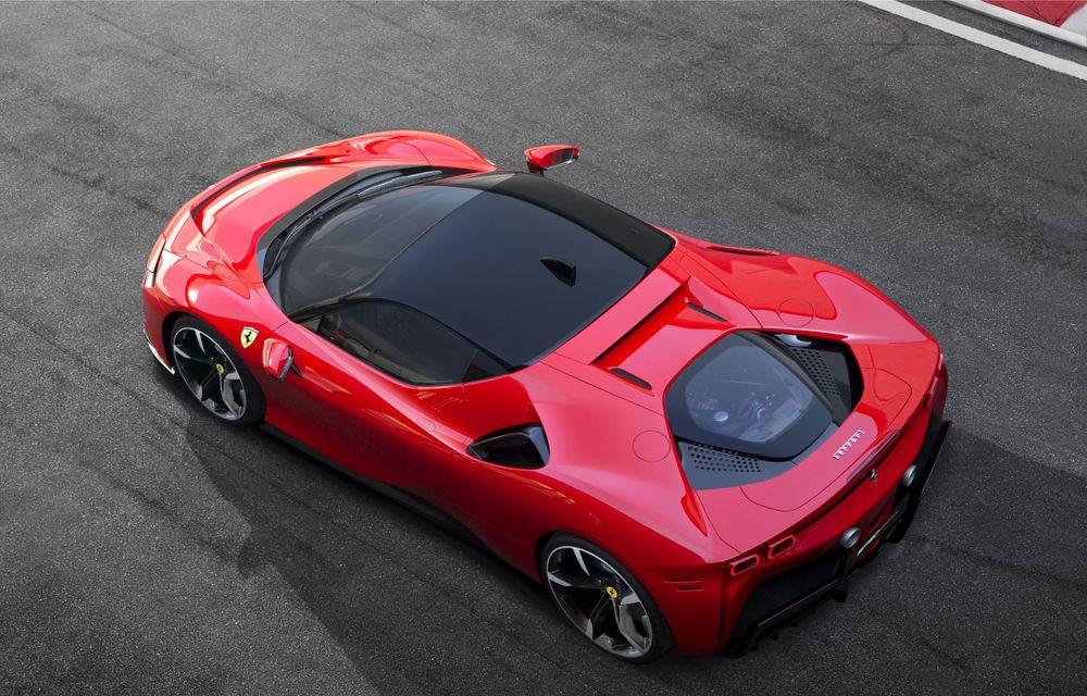 Ferrari SF90 Stradale, cel mai puternic model de serie dezvoltat până acum de constructorul italian: sistem plug-in hybrid de 1.000 CP și autonomie electrică de 25 de kilometri - Poza 2