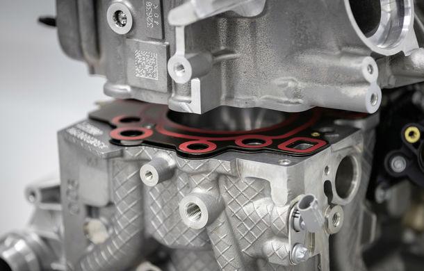 Mercedes-AMG prezintă cel mai puternic motor cu 4 cilindri din istorie: 2.0 litri și 421 de cai putere - Poza 4