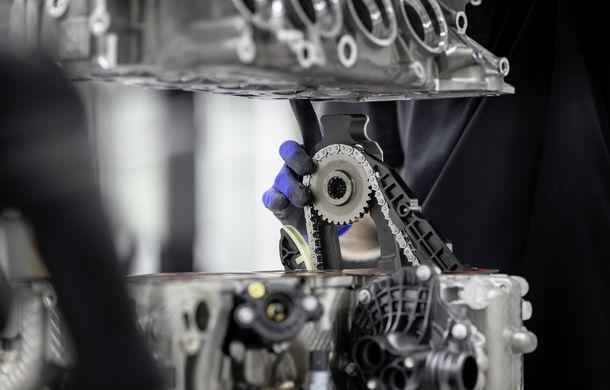 Mercedes-AMG prezintă cel mai puternic motor cu 4 cilindri din istorie: 2.0 litri și 421 de cai putere - Poza 3