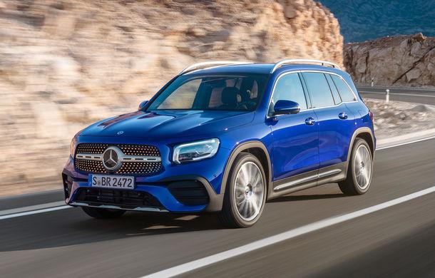 Mercedes-Benz GLB, poze și detalii oficiale: noul SUV compact preia motorizările lui Clasa A și poate fi comandat și în versiune cu 7 locuri - Poza 1