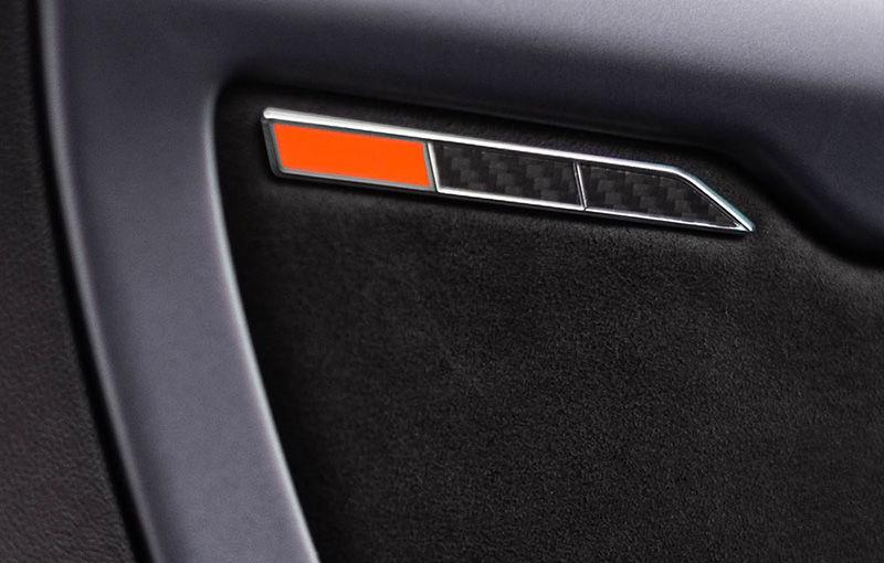 Primele teasere foto care anunță o nouă versiune a modelului Alpine A110: francezii oferă câteva detalii cu interiorul - Poza 2