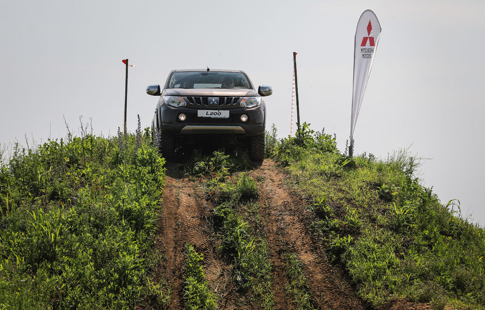 Galerie foto: Mitsubishi Off Road Day: clienții au testat abilitățile SUV-urilor japoneze pe teren accidentat - Poza 4