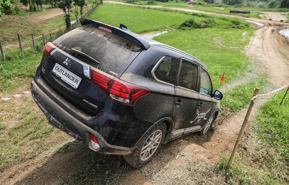 Galerie foto: Mitsubishi Off Road Day: clienții au testat abilitățile SUV-urilor japoneze pe teren accidentat - Poza 19