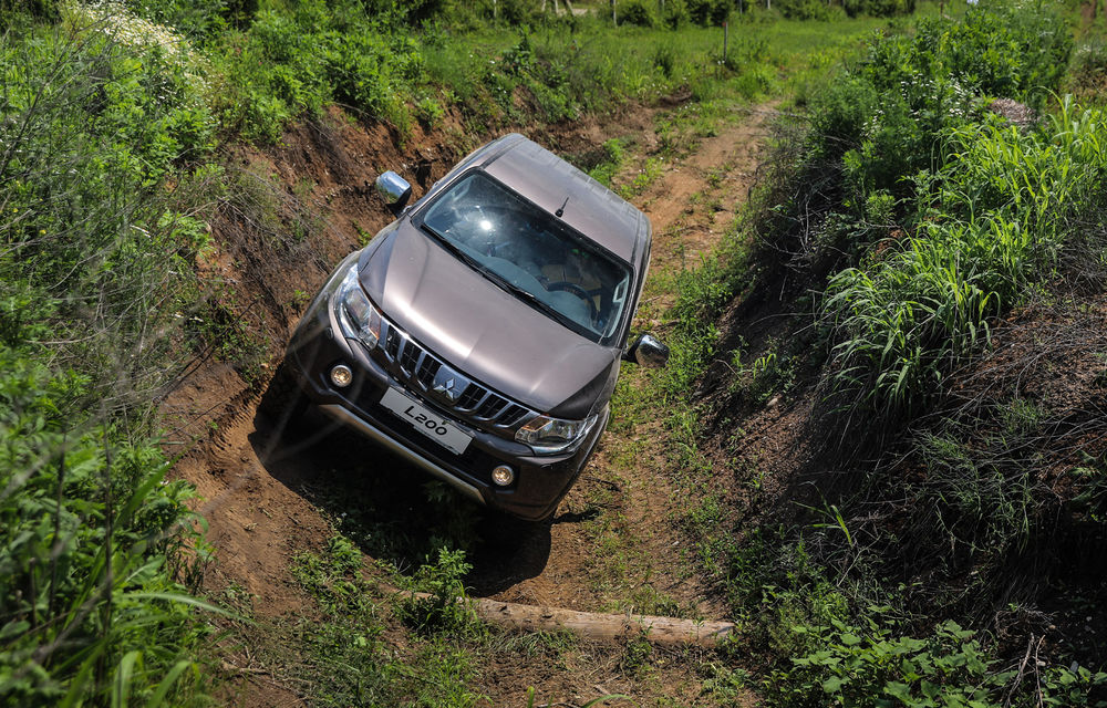Galerie foto: Mitsubishi Off Road Day: clienții au testat abilitățile SUV-urilor japoneze pe teren accidentat - Poza 12
